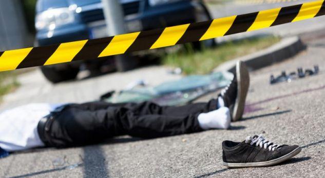 Përse nga goditja me veturë viktima mbetet pa këpucë?