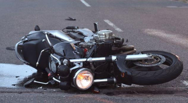 Aksident: Lëndohen rëndë dy motoçiklistë