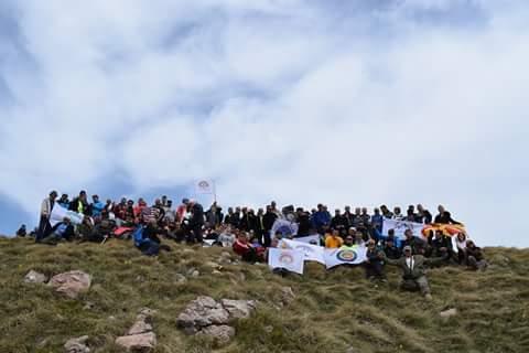 """Klubi alpin bjeshkatar """"Struga"""" tubon mbi 150 alpinistë në Strugë nga mbare trojet shqiptare në marshin e 1 vjetorit të Klubit (FOTO)"""