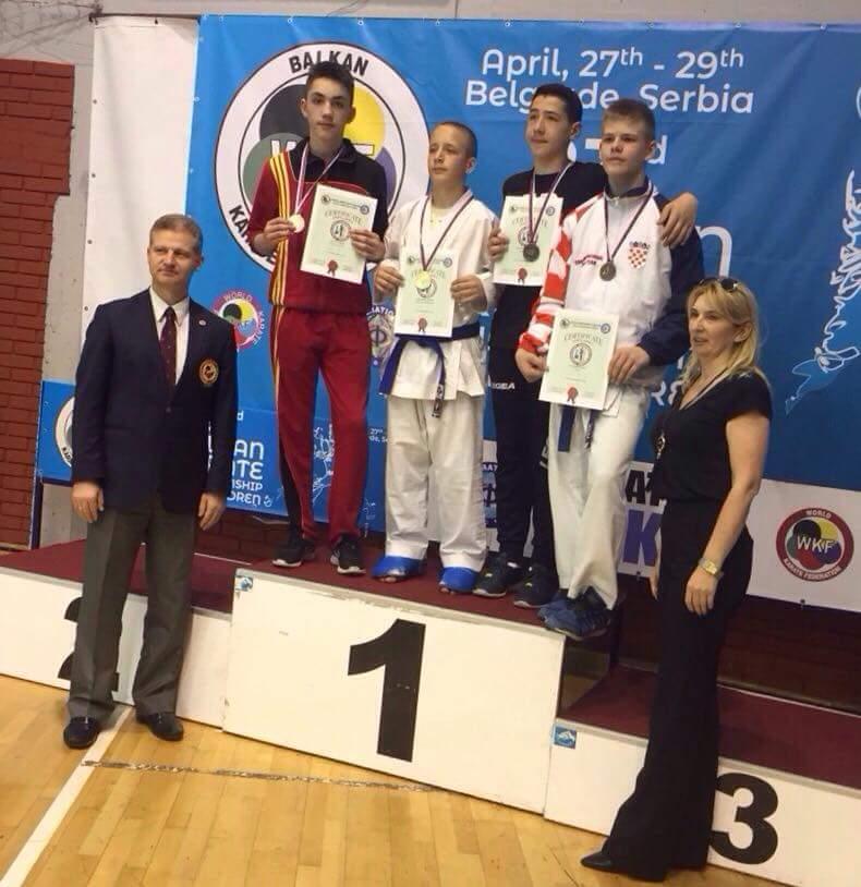 Hamza Zylali Nënkampion Ballkanik në Karate (FOTO)