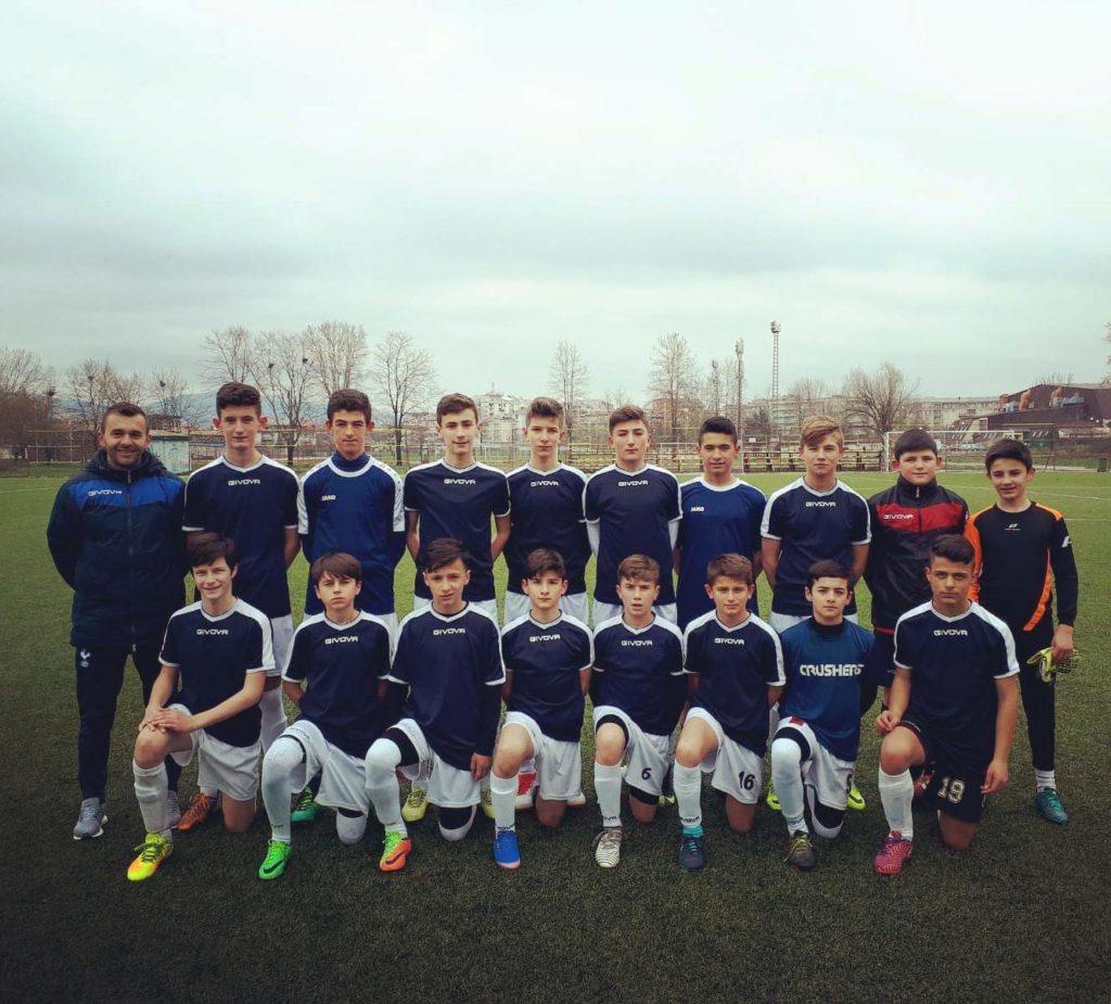 Ekipi i Flamurtarit sot ndeshet në stadiumim e Ladorishtit me skuadrën nga Suedia (FOTO)