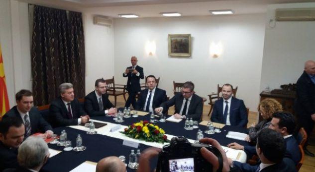 """Aleanca dhe BESA """"Out"""" nga procesi për emrin, Ahmeti nuk ka ndërmend ta thërras tryezën e përbashkët"""