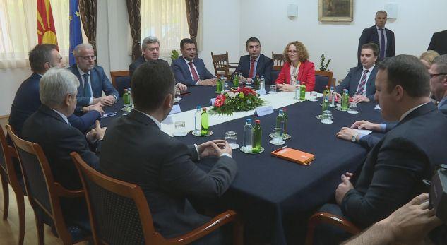 Ja propozimi i ri për emrin, partitë shqiptare japin vlerësimet e tyre