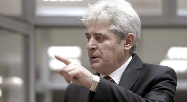 Ali Ahmeti vendos se kush nga ministrat do mbesë dhe kush do ikë nga Qeveria