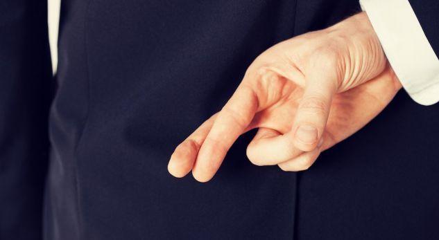 Tri mënyra për të zbuluar gënjeshtarin