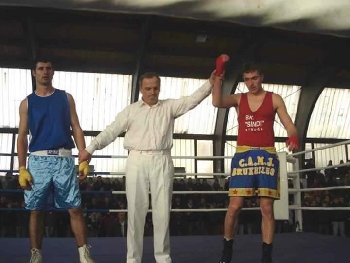 """Familja Skenderi nga Veleshta dhe KB """"Sindi"""", sot me dhimbje të madhe përkujtojnë 6 vjetorin e vdekjes së boksierit Atdhetar Skenderi-Tali"""