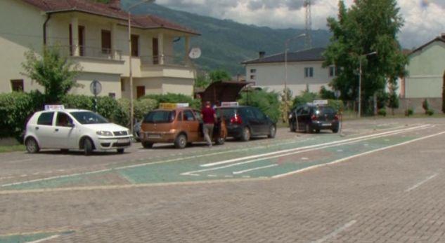 Përplasje mes autoshkollave