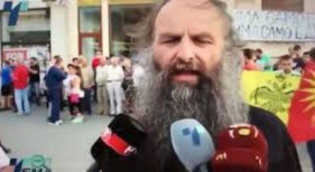 Prifti kërcënon se do të mbrojë emrin edhe me armë (VIDEO)