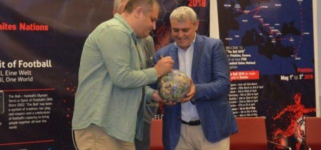 Shpend Ahmeti: Stadiumi i qytetit me nder do ta mbajë emrin e Fadil Vokrrit