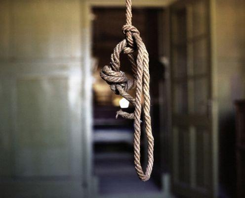 Gjendet i varur me litar 44-vjeçari nga Prrenjasi