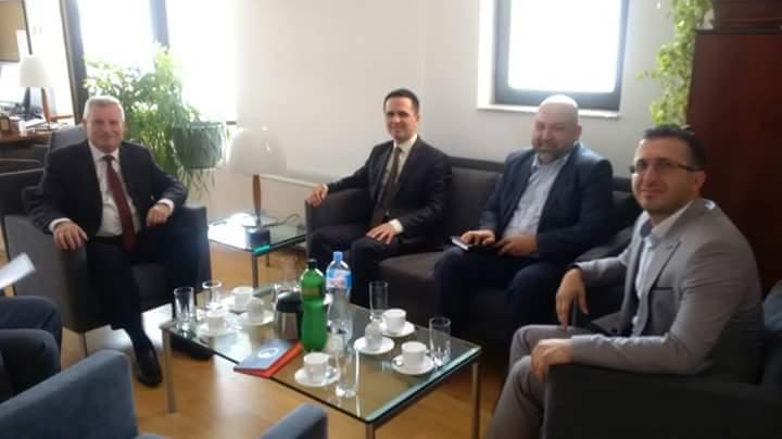 Bilall Kasami,Kastriot Rexhepi dhe Abdush Demiri, realizuan takim me ambasadorin e Gjermanisë në Shkup