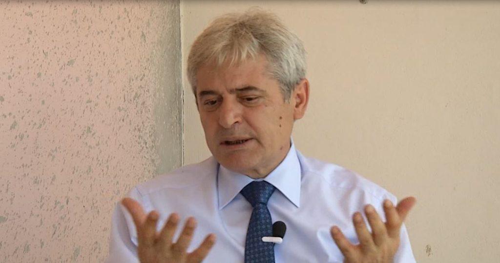 Ali Ahmeti: Më shumë se dy parti politike dëmtojnë shqiptarët e Maqedonisë (VIDEO)