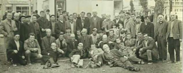 Koha kur i gjithë fshati Frëngovë përcillnin djemtë për të kryer shërbimin ushtarak (FOTO)