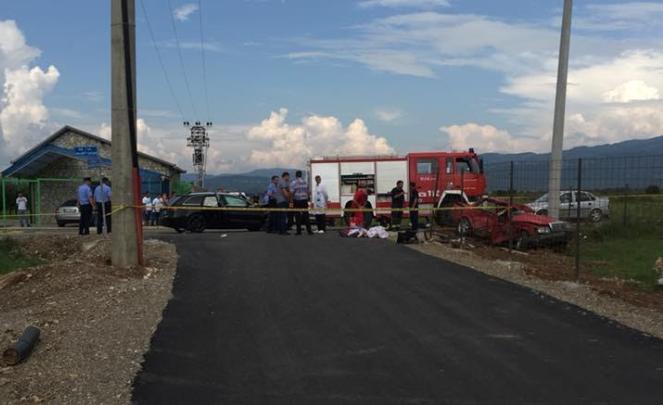 Dy të vdekur nga e njëjta familje kosovare në një aksident