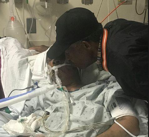 99-vjeçari ecën çdo ditë 18 km për të parë gruan e tij të sëmurë