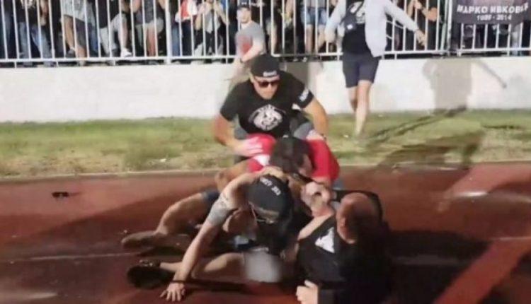 Rrahje masive ndërmjet serbëve dhe rusëve në derbin Partizani – Zvezda (VIDEO)