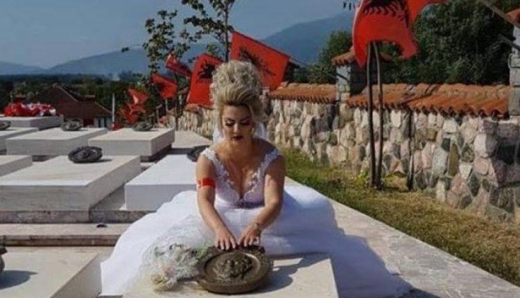 Vajza e dëshmorit në ditën e martesës viziton varrin e babait (FOTO)