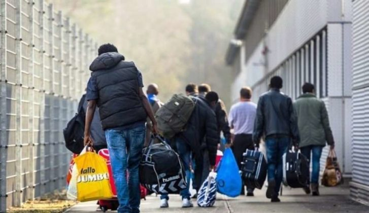 Reuters: 52% e shqiptarëve duan të largohen nga vendi