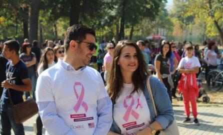 Ministri Bekteshi me bashkëshorten në përkrahje të ndërgjeshmërisë kundër kancerit të gjirit