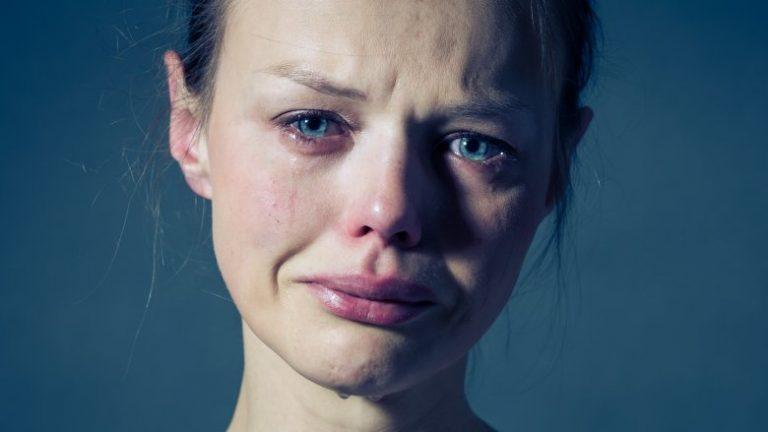 Si ndikon në shëndet nëse qani