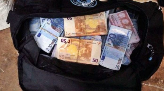 Taksisti shqiptar gjenë portofolin plot para dhe pasaportën e bullgarit, ja gjesti madhështor i tij (FOTO)