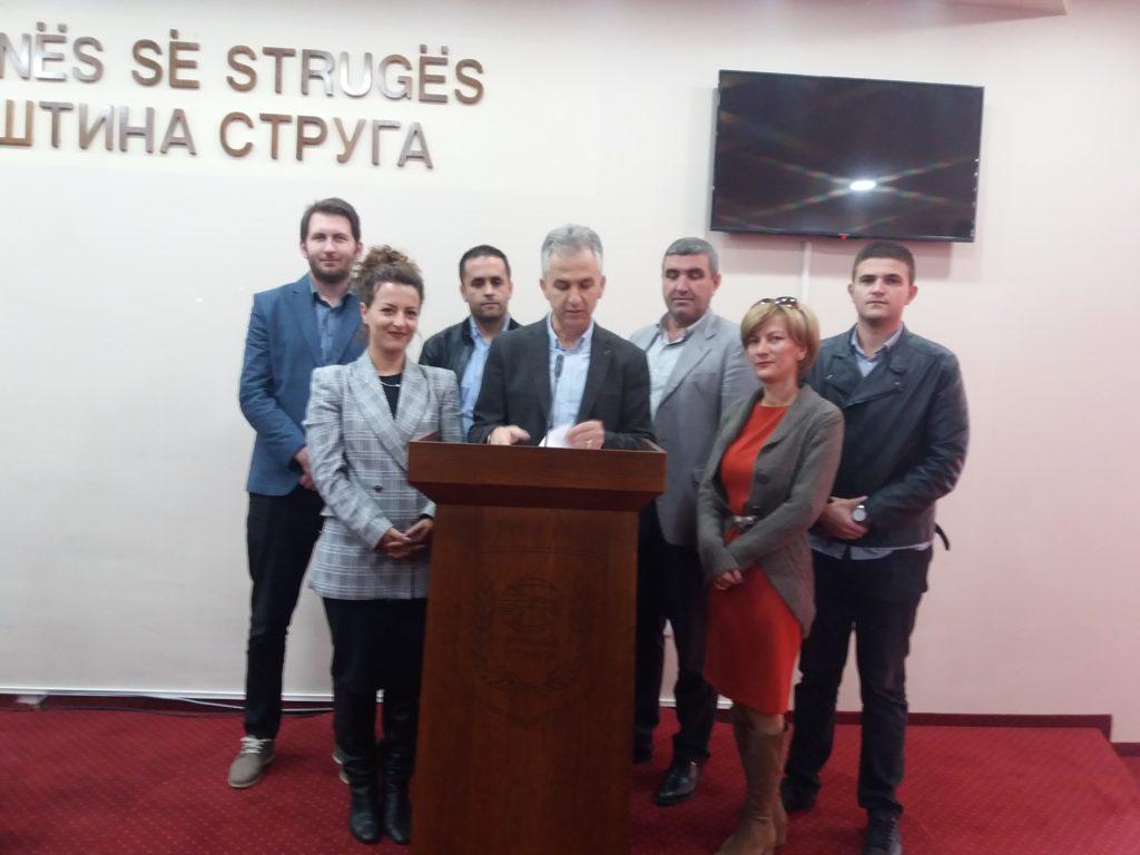 Aleanca e Strugës kritikon ashpër Ramis Merkon pas një viti në krye të komunës