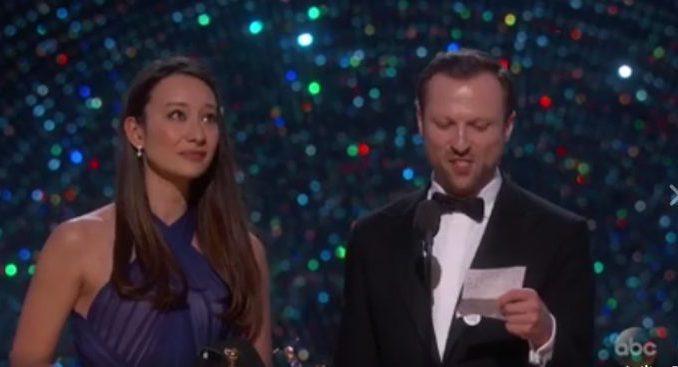 Lexohet një ajet nga Kurani në natën ndarjes së çmimeve Oskar (VIDEO)