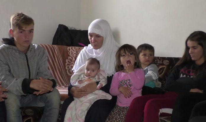 Mjerim dhe trishtim: Familja 14 anëtarëshe jeton në një dhomë, u vjen në ndihmë Halil Kastrati (VIDEO)