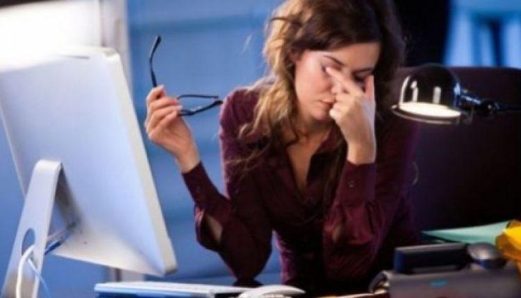 Puna jashtë orarit ndikon seriozisht në trupin dhe mendjen tuaj