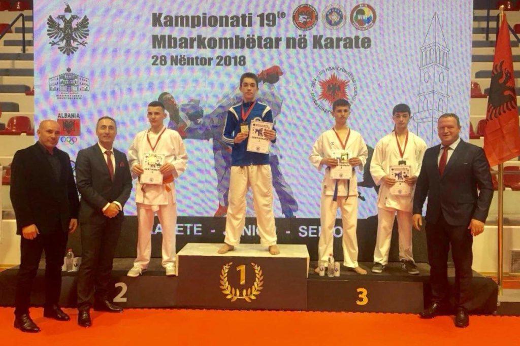 Strugani Hamza Zylali shpallet Kampion Mbarëkombëtar në Karate (FOTO)