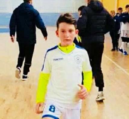 """Lorent Zhaku, 11 vjeçari nga Dollogozhda do të jetë lojtari i ekipit """"Ali Demi"""" të Tiranës (FOTO)"""