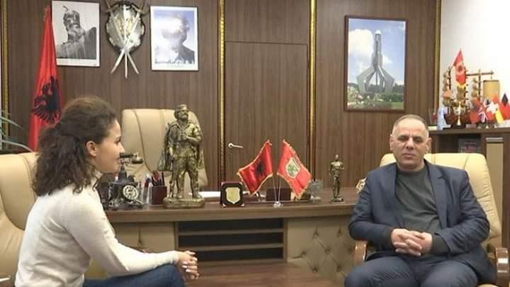 Hani i Elezit nuk shpenzon para për dekorim, Suma thotë se buxheti do ndahet për familjet në nevojë (VIDEO)