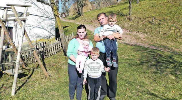 Zoga e Shqipërisë e bëri me fëmijë një fshat të Serbisë