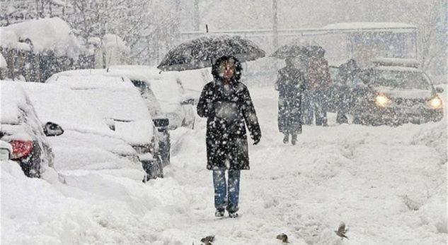Javë me ngrica e reshje bore