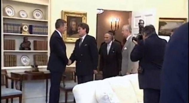 """Kjo video e vitit 1992 dëshmon se Bush ishte """"babai i shqiptarëve"""""""