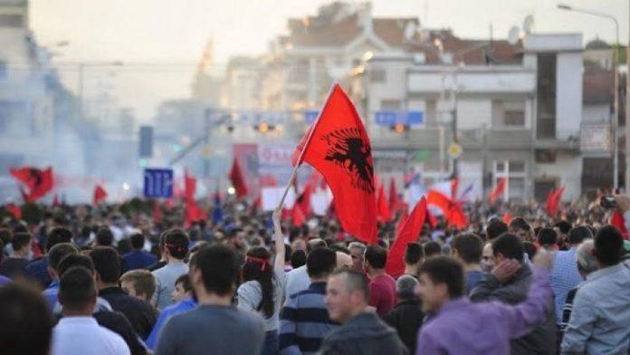 Shqiptarët e Maqedonisë duhet ti bojkotojnë zgjedhjet për president…