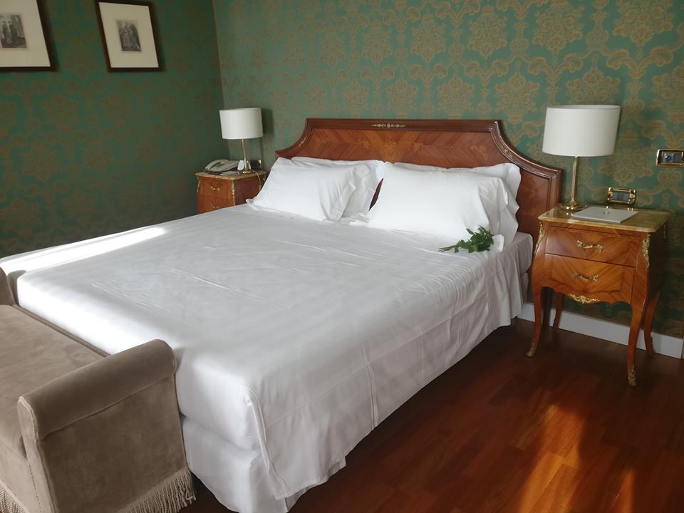 Kjo është dhoma e hotelit ku ndërroi jetë Ismail Qemali (FOTO)