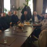 Ramis Merko do të ndihmojë me nga 5 mijë euro për çdo banesë të blerë në Strugë nga Halil Kastrati, ky i fundit e falenderon për ndihmën