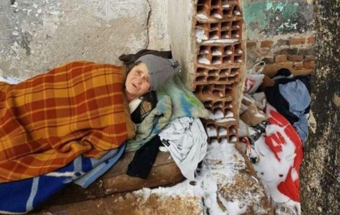 Familja maqedonase pa kulm mbi kokë, kërkon ndihmë edhe nga shqiptarët
