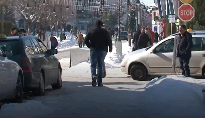Alsat: Rrugët e pa pastruara, struganët padisin Komunën (VIDEO)