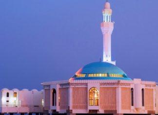 Gruaja kursen pensionin e burrit të saj që kishte ndërruar jetë para 30 viteve dhe ndërton një xhami në emrin e tij