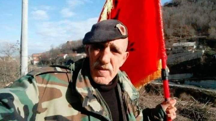 Ky ish-ushtar i UÇK-së po kërkon ndihmë për vajzën e tij të sëmurë (FOTO)