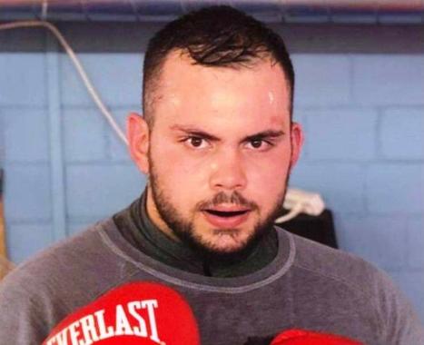 Dielli Alushi, boksieri nga Kalishti që po shkëlqen në Zvicër (FOTO)