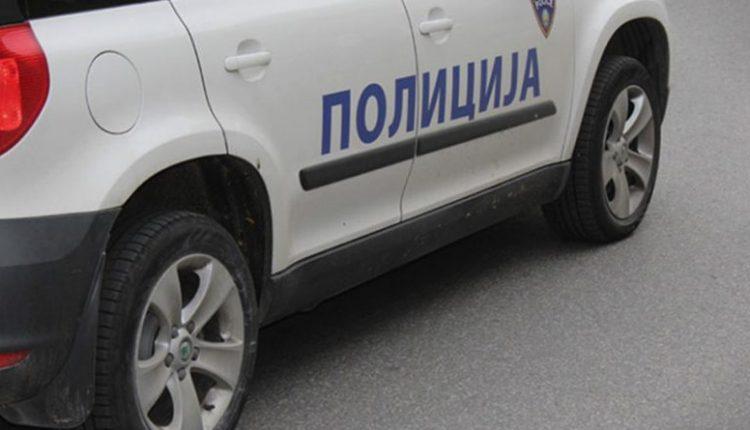 """Goditen dy """"xhipa"""" të policisë, një police përfundon në spital"""