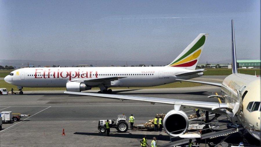 Bie aeroplani me 157 persona në bord, s'ka të mbijetuar