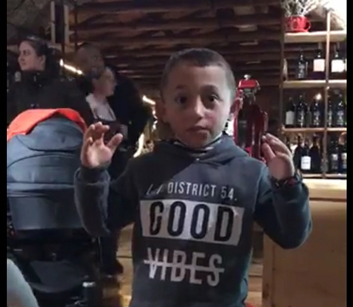 Ky është 6-vjeçari që reciton vargjet e Gjergj Fishtës, 40 minuta pa u ndalur (VIDEO)
