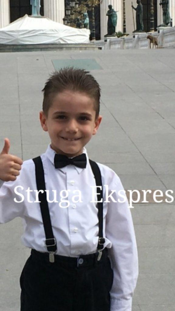 7 vjeçari Ahmet Tule, talenti strugan që mahniti Shkupin duke fituar dy çmimet e para për piano (FOTO)
