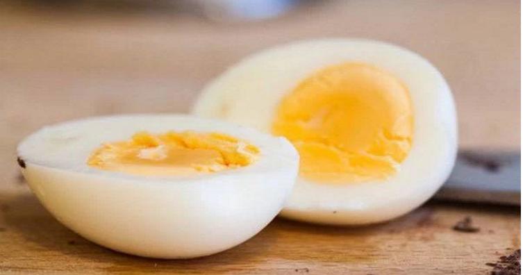 Një vezë në ditë ndikon pozitivisht në zhvillimin dhe zgjatjen e trupit