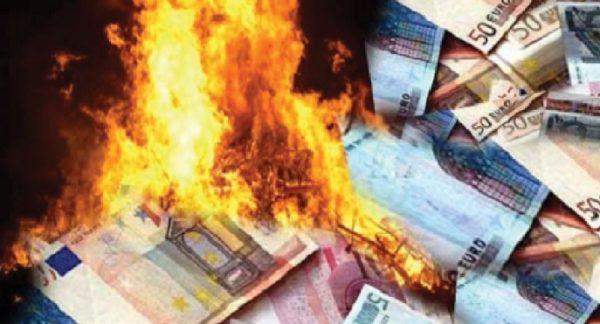I fshehu 40 mijë euro në furrë për të shmangur taksat, e fejuara ia djeg