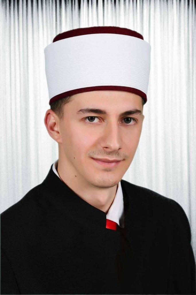 Ariton Zeqiri nga Dollogozhda e Strugës është hafizi i ri (FOTO)